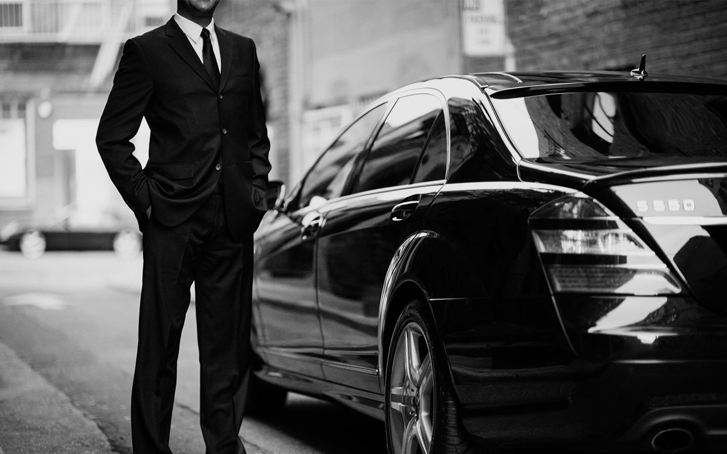 luxury transportation and Chauffeur Driven black car service in San Diego